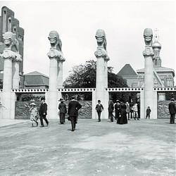 Löwentor der Künstlerkolonie-Ausstellung 1914 / Bild: Foto: Institut Mathildenhöhe Darmstadt