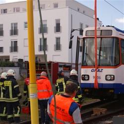 Straßenbahn entgleist / Bild: Feuerwehr Darmstadt