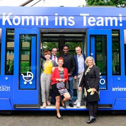 Klinikum Darmstadt - Straßenbahn-Aktion Komm ins Team!